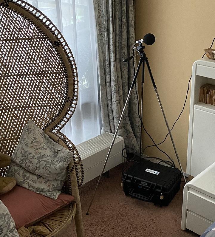 Onderzoek naar hinderlijk geluid in een appartement te Assen